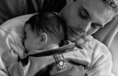 Как усыновить отцу своего ребенка — какие документы нужны, как оформляется